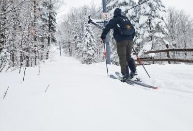 Icon de deux femmes au ski